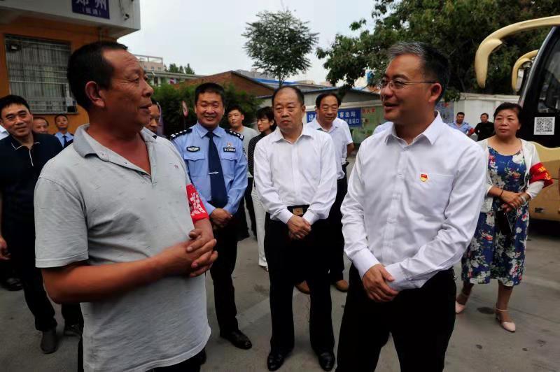 新密市委副书记、市长张红伟带队检查创建国家卫生城市、省级文明城市暨节日安全工作